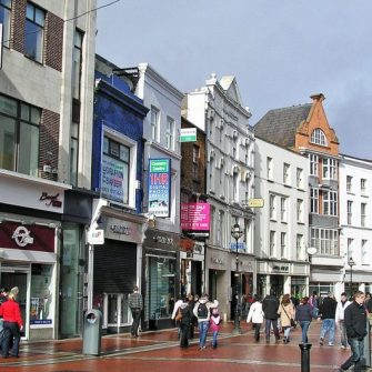 View of Grafton St in Dublin city