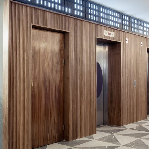 Lifts in The Alex Hotel